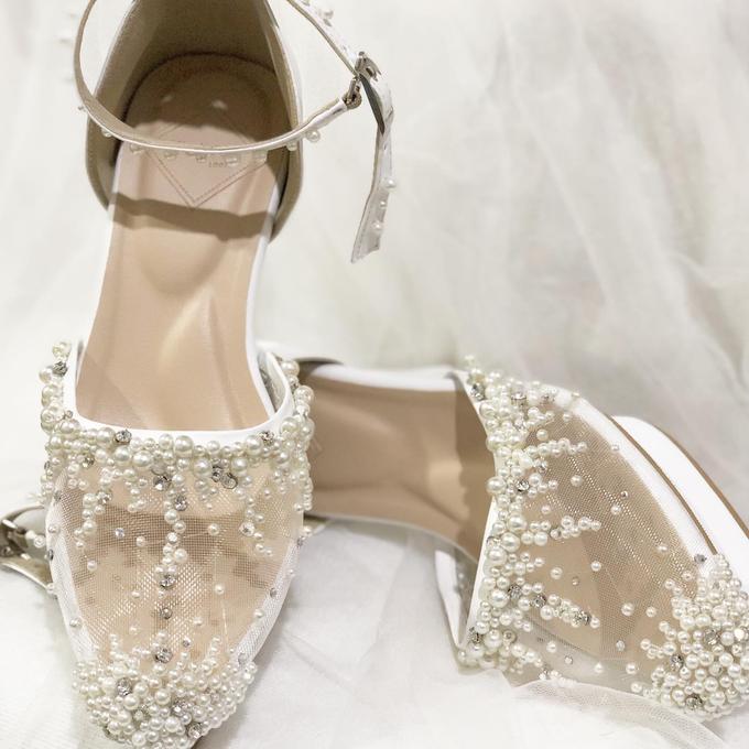 WINDY WEDDING PEARL WHITE SHOES by Helen Kunu by Kunu Looks - 003