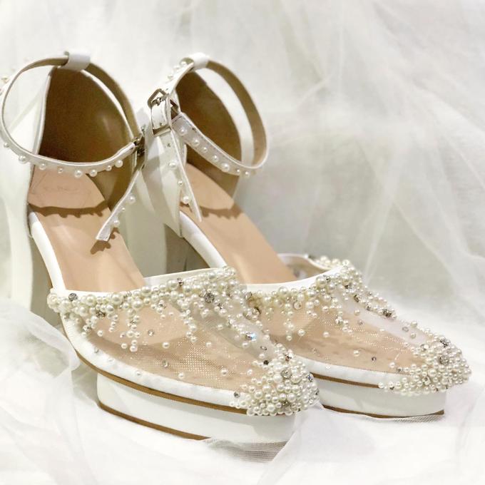WINDY WEDDING PEARL WHITE SHOES by Helen Kunu by Kunu Looks - 001