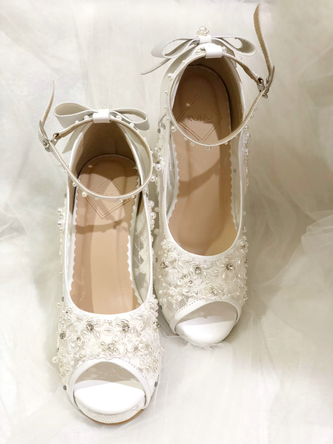 CLARA wedding white shoes by Helen Kunu by Kunu Looks - 003