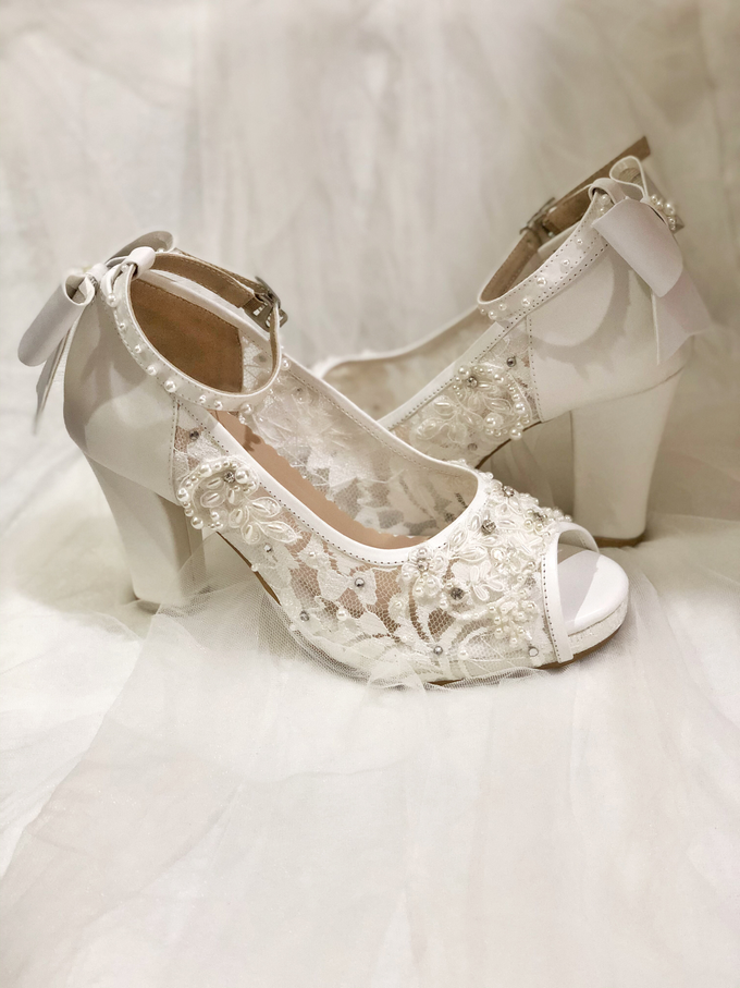CLARA wedding white shoes by Helen Kunu by Kunu Looks - 004