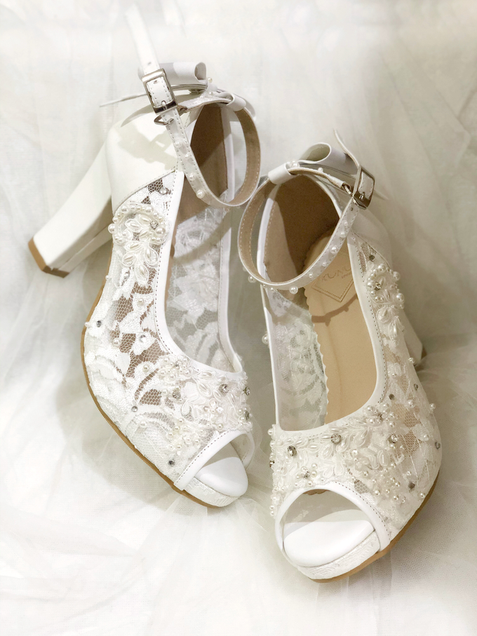 CLARA wedding white shoes by Helen Kunu by Kunu Looks - 006