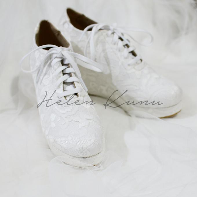 Wedges wedding shoes by Helen Kunu by Kunu Looks - 004