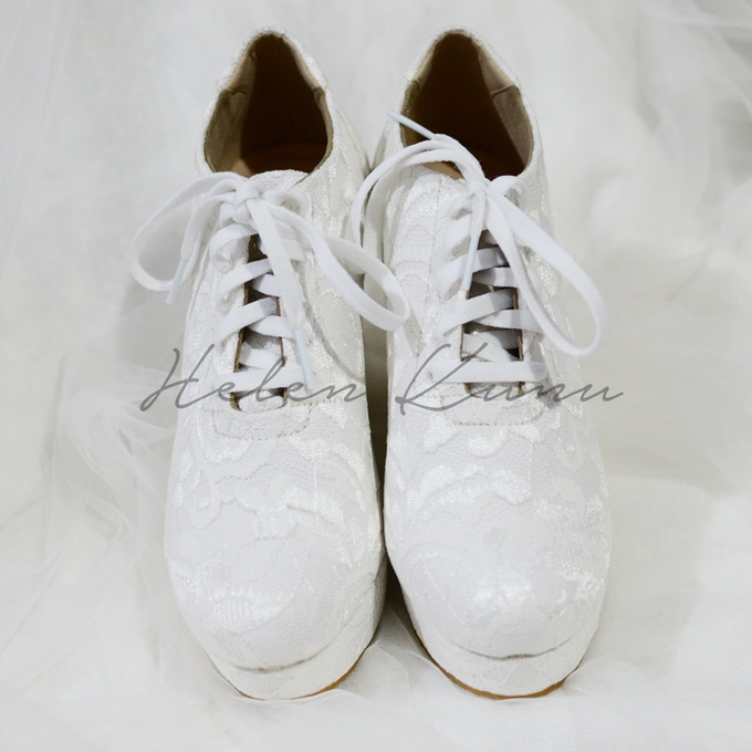 Wedges wedding shoes by Helen Kunu by Kunu Looks - 001