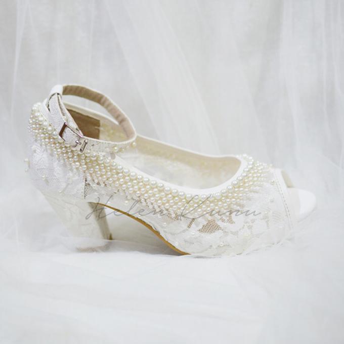 White christmas heels by Helen Kunu by Kunu Looks - 008