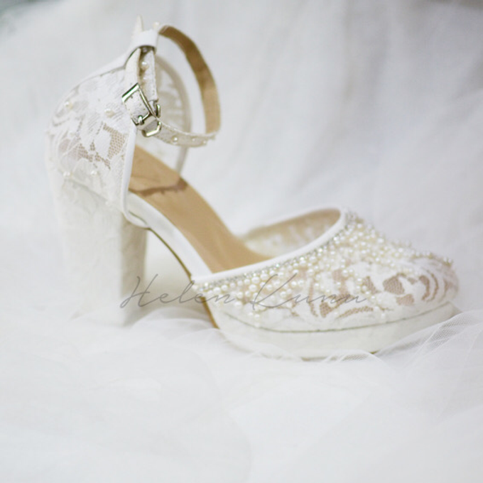 White christmas heels by Helen Kunu by Kunu Looks - 012