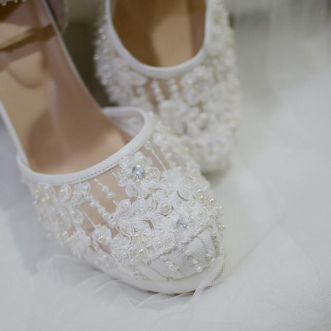 White christmas heels by Helen Kunu by Kunu Looks - 015