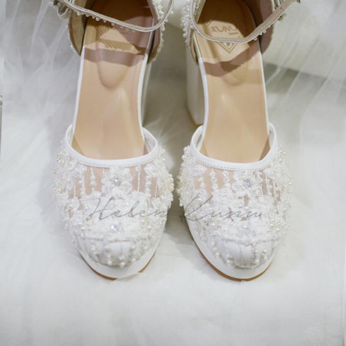 White christmas heels by Helen Kunu by Kunu Looks - 018