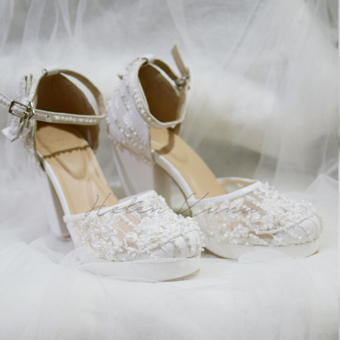 White christmas heels by Helen Kunu by Kunu Looks - 017
