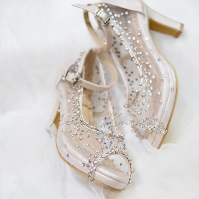 NoVA wedding shoes shimmering bling by Helen Kunu by Kunu Looks - 002