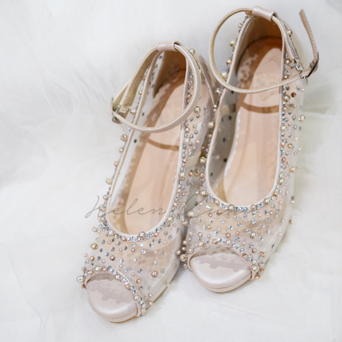 NoVA wedding shoes shimmering bling by Helen Kunu by Kunu Looks - 004