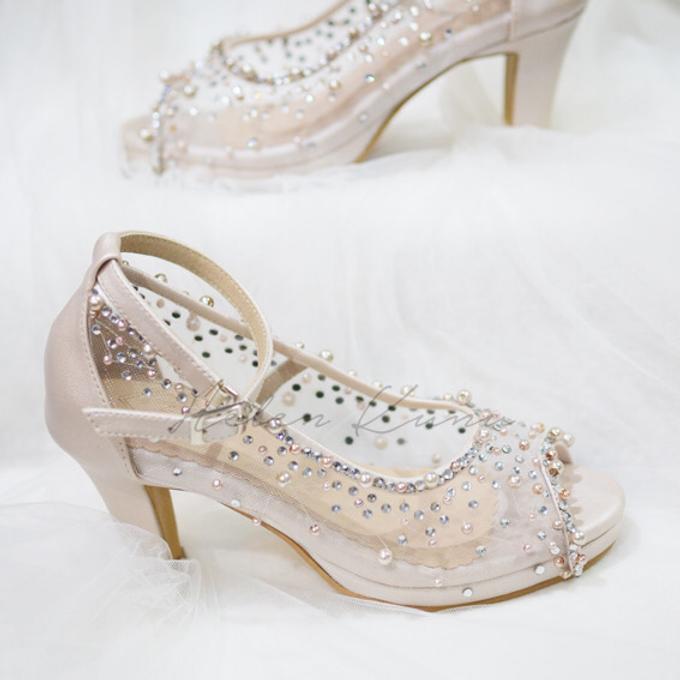 NoVA wedding shoes shimmering bling by Helen Kunu by Kunu Looks - 003
