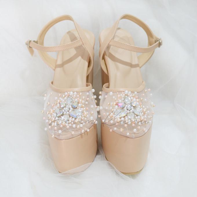 Linda wedding heels by Helen Kunu by Kunu Looks - 005