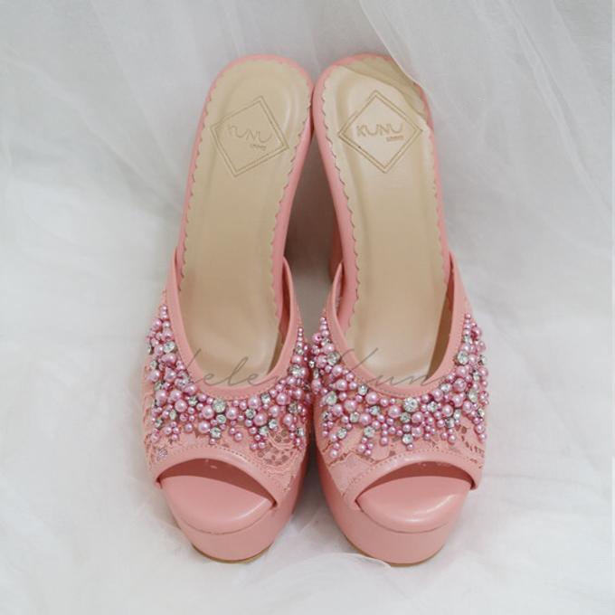Color heels by Helen Kunu by Kunu Looks - 004