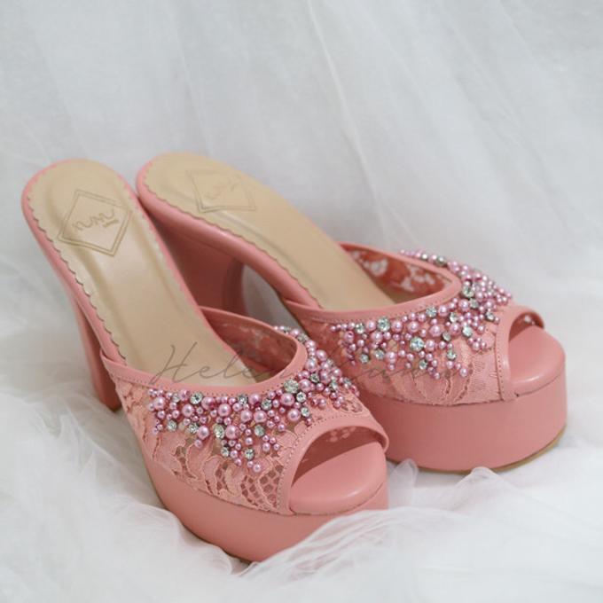 Color heels by Helen Kunu by Kunu Looks - 005