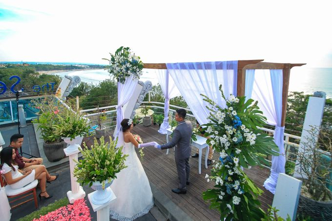Wedding on a Rooftop at Kuta by KutaBex Beach Front Hotel Bali - 004