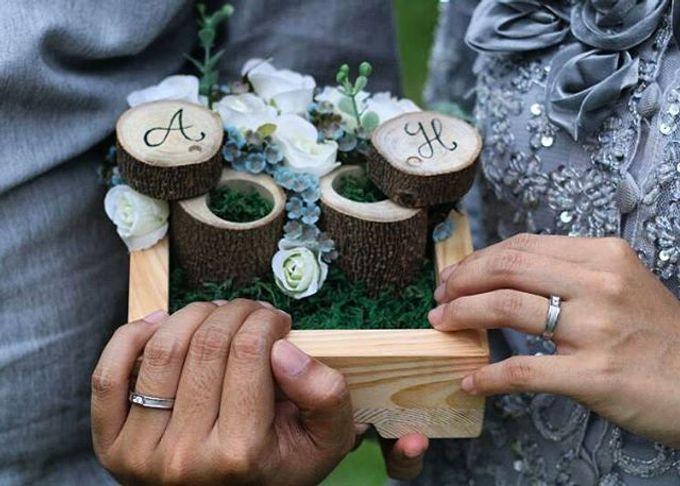Wedding ring box by Hana Seserahan - 050