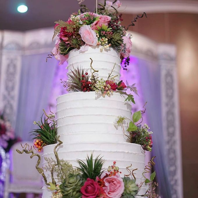 3 Tiers by Amor Cake - 011