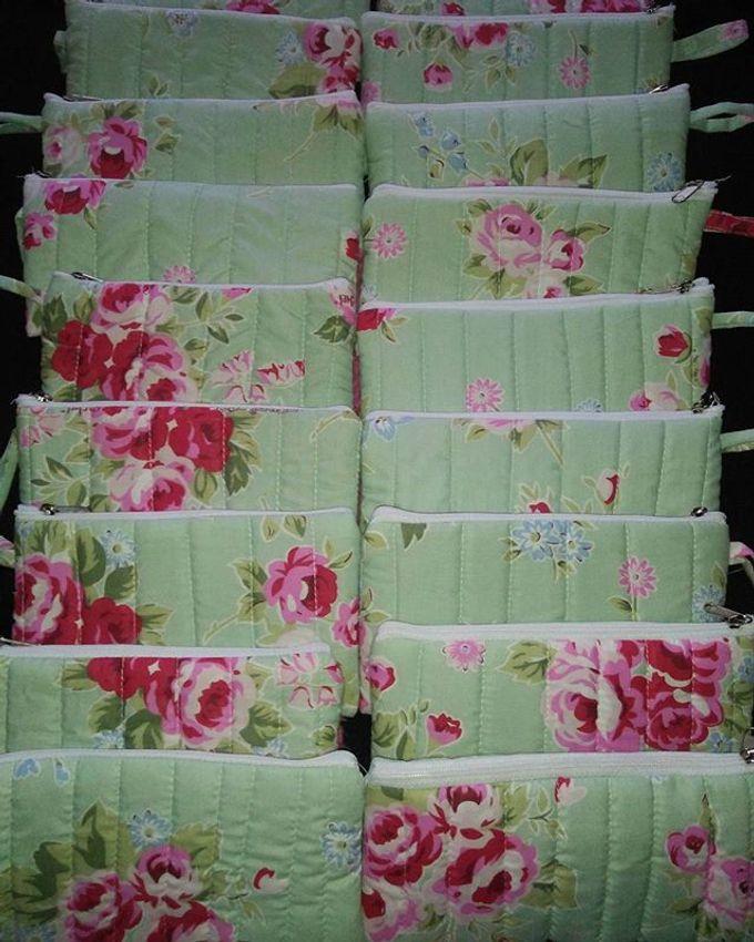 Pouch Katun 18x10cm With Mini Paper Bag by Rumah Souvenir - 007