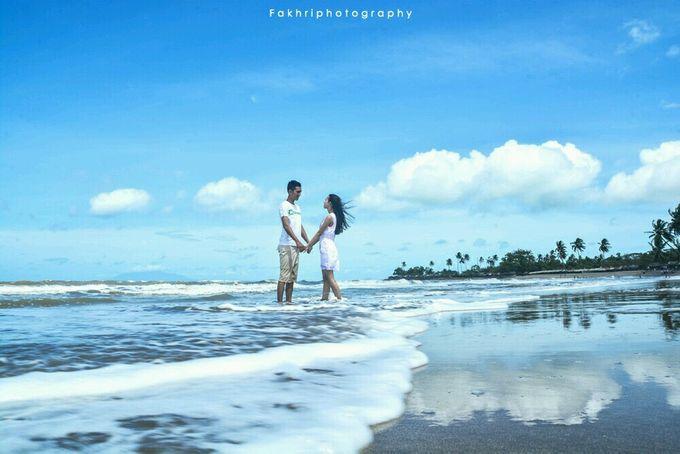 Prewedding Pantai by Fakhri photography - 004