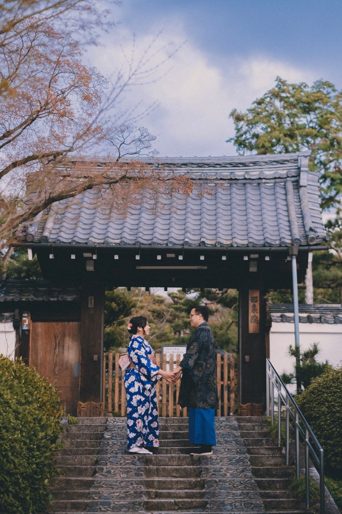 Kyoto Sakura Pre Wedding Shoot by Yipmage Moments - 005