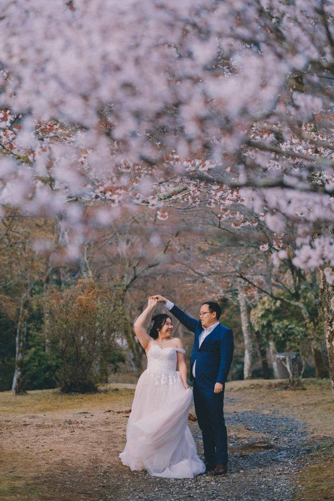 Kyoto Sakura Pre Wedding Shoot by Yipmage Moments - 013
