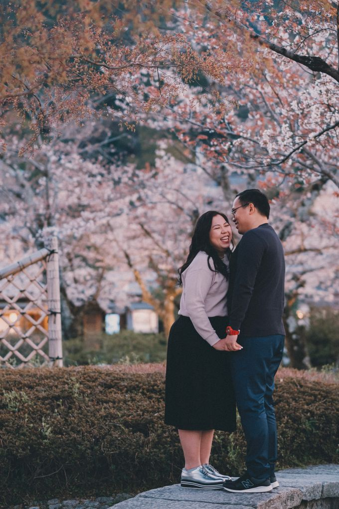 Kyoto Sakura Pre Wedding Shoot by Yipmage Moments - 020