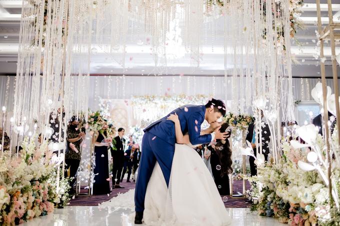 Irwan & Angel Wedding Day by KYRIA WEDDING - 010