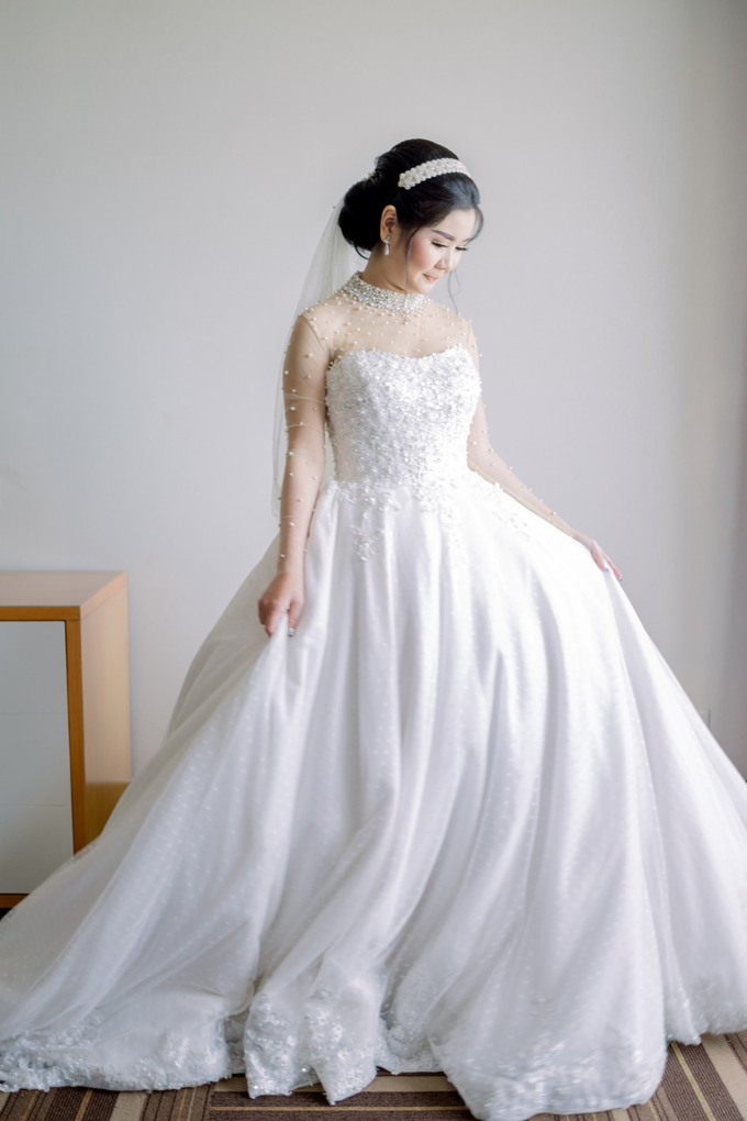 Irwan & Angel Wedding Day by KYRIA WEDDING - 025