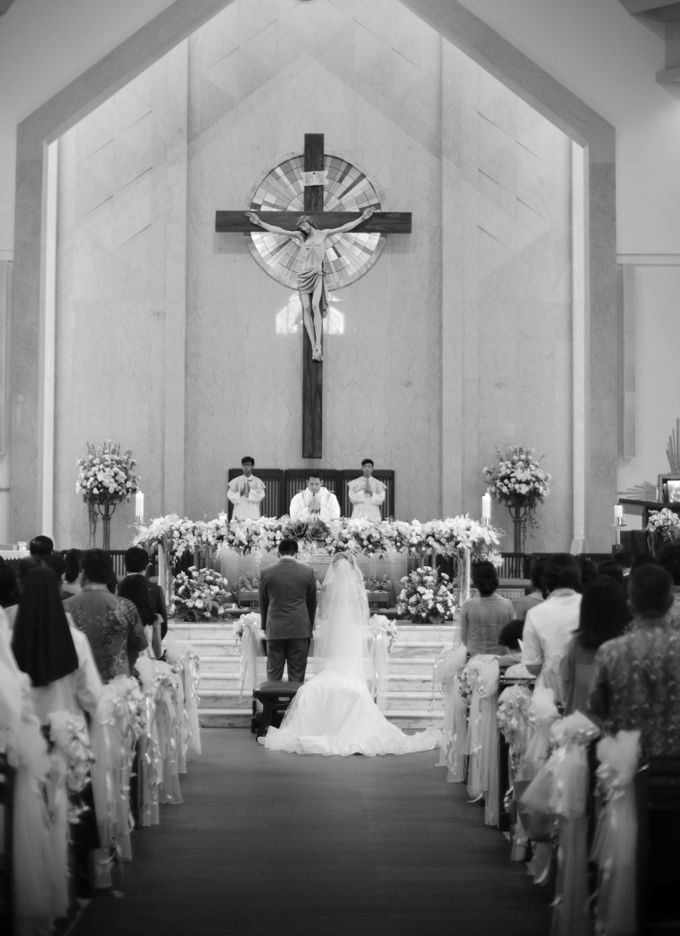 Desmond & Joan Holy Matrimony by David Salim Photography - 012