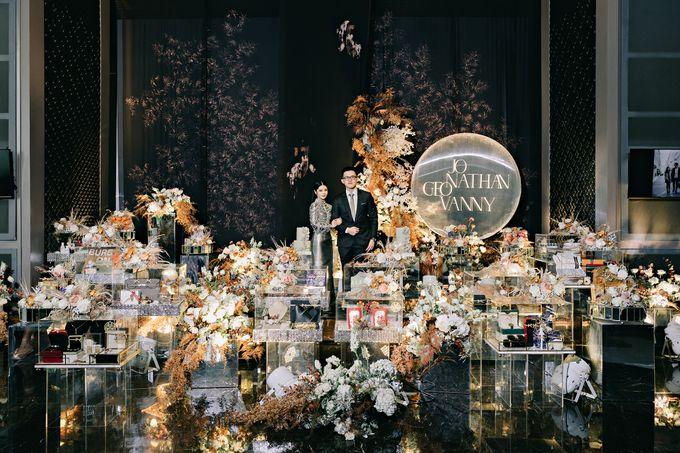 Jonathan & Geovanny's Engagement by Yefta Gunawan - 001