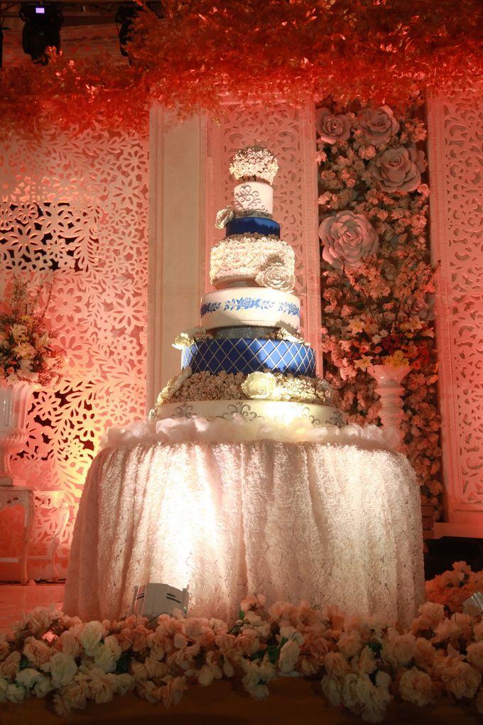 Autumn Theme Wedding Boy & Elisia at Empire 10th Floor  Surabaya by Diorama Tailor - 008