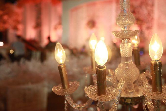 Autumn Theme Wedding Boy & Elisia at Empire 10th Floor  Surabaya by Diorama Tailor - 007
