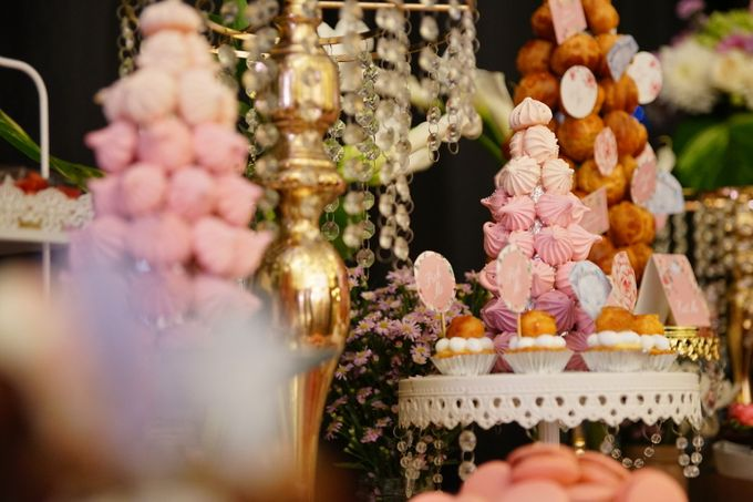 Wedding of Yongki & Indhira - Jardin Sweet Corner by Questo La Casa Pastry - 006