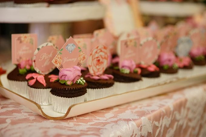 Wedding of Yongki & Indhira - Jardin Sweet Corner by Questo La Casa Pastry - 007