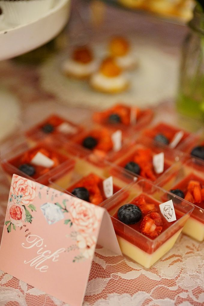 Wedding of Yongki & Indhira - Jardin Sweet Corner by Questo La Casa Pastry - 009
