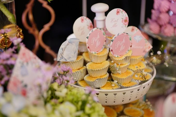 Wedding of Yongki & Indhira - Jardin Sweet Corner by Questo La Casa Pastry - 012