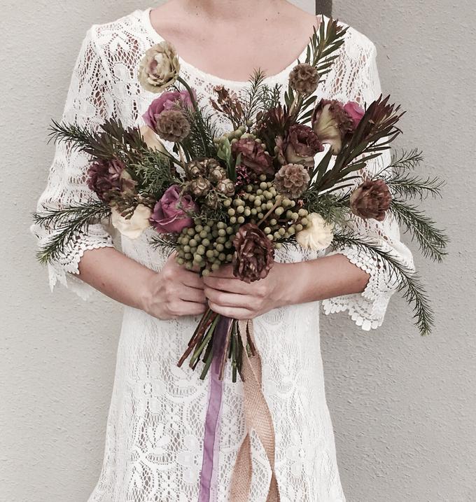 Pre-Wed Photoshoot Bouquet Boho-chic style  by La Fleur Société - 002
