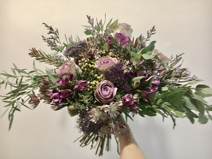 Rustic Garden bouquet for Pre-Wed Photoshoot by La Fleur Société - 001