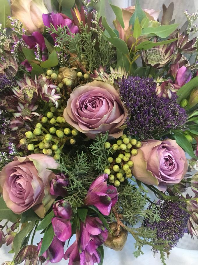 garden bouquet. Tambahkan Ke Board Rustic Garden Bouquet For Pre-Wed Photoshoot By La Fleur Société - 003 E