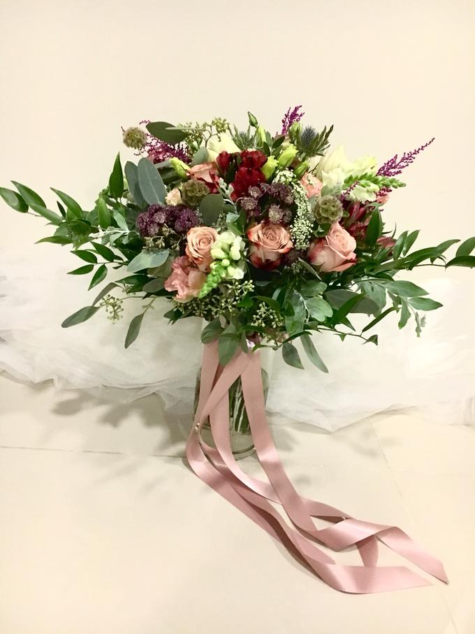Premium Bridal Bouquet  by La Fleur Société - 001