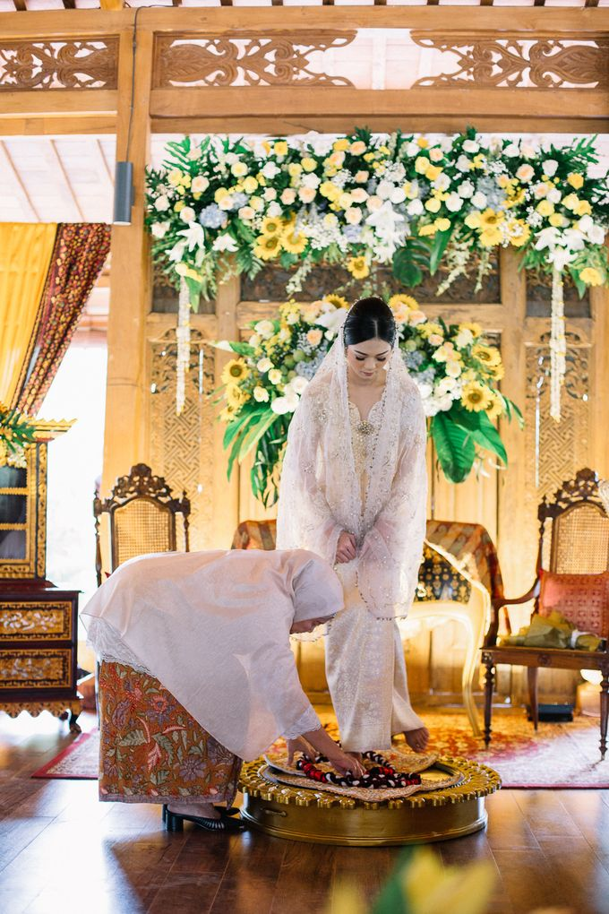 The Engagement of Ila & Ragyl at Hidden Paradise Jakarta by Warna Project - 017
