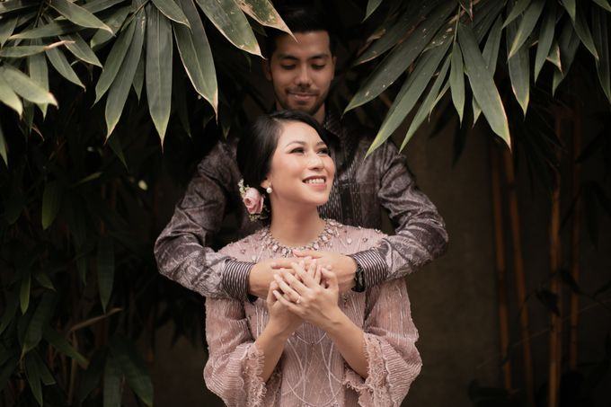 Dinda & Abimanyu Engagement by Journal Portraits - 023