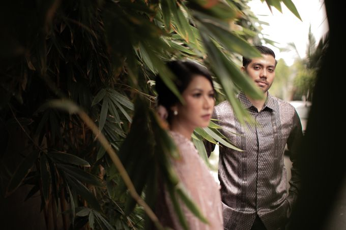 Dinda & Abimanyu Engagement by Journal Portraits - 024