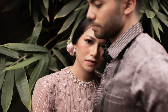 Dinda & Abimanyu Engagement by Journal Portraits - 022