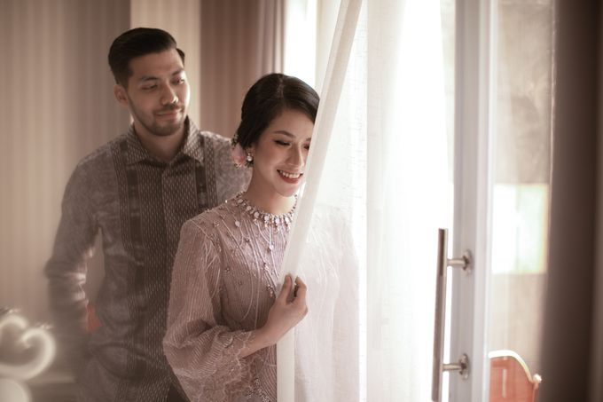 Dinda & Abimanyu Engagement by Journal Portraits - 020