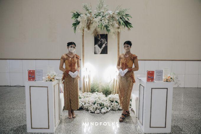 Foyer Decoration Inspiration for New Normal Wedding by Skenoo Hall Emporium Pluit by IKK Wedding - 001