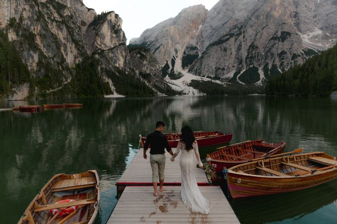 Pre-wedding shoot of Indonesian couple in Tre Cime Mountains and Lago di Braies, - the most beautiful lake of Dolomites in Italy. by Fotomagoria - 017