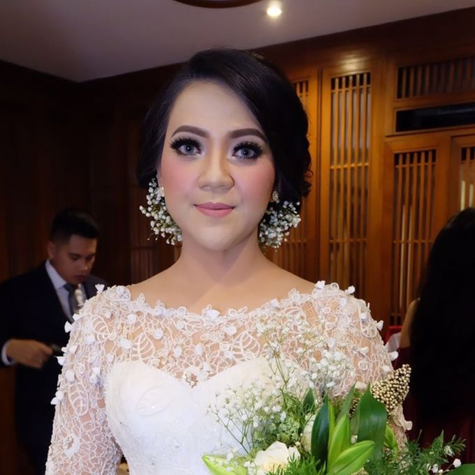 Hairdo For bride / Wedding by Makeup And Hairdo By iis - 005