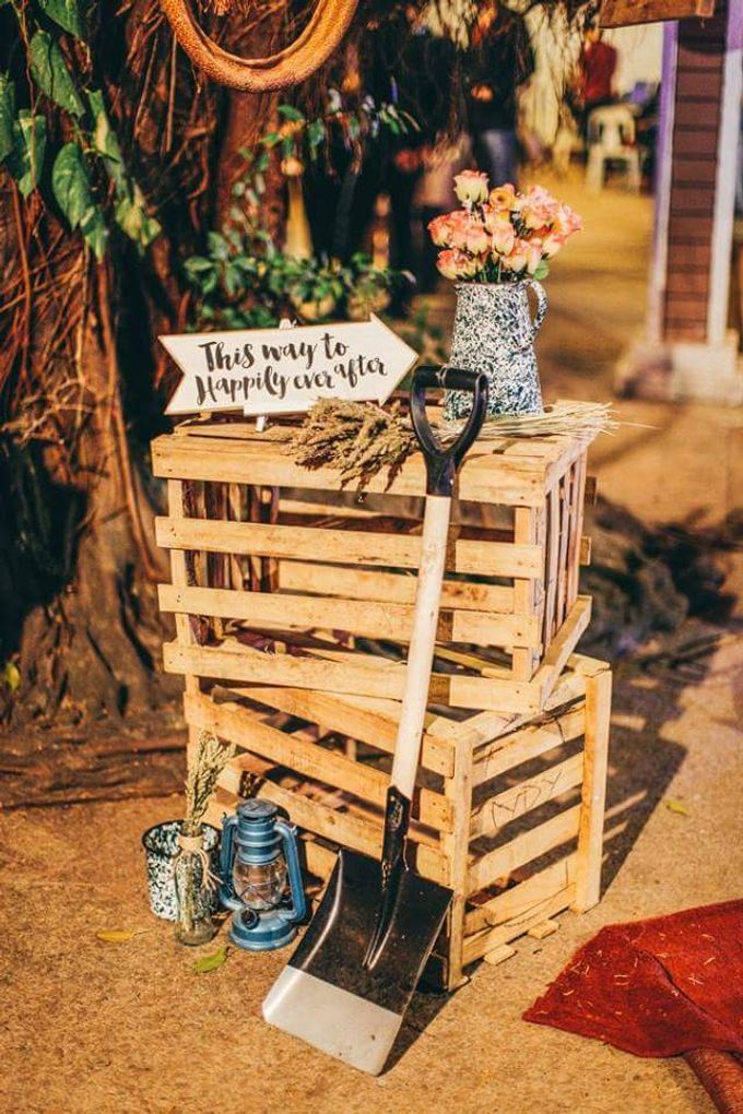 Rustic Vintage Wedding (photos By Dream Catchers) by Kathryn's Passion - 010