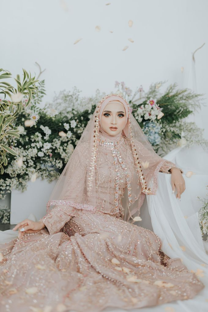 Photoshoot Dusty Pink Rainy by LAKSMI - Kebaya Muslimah & Islamic Bride - 004